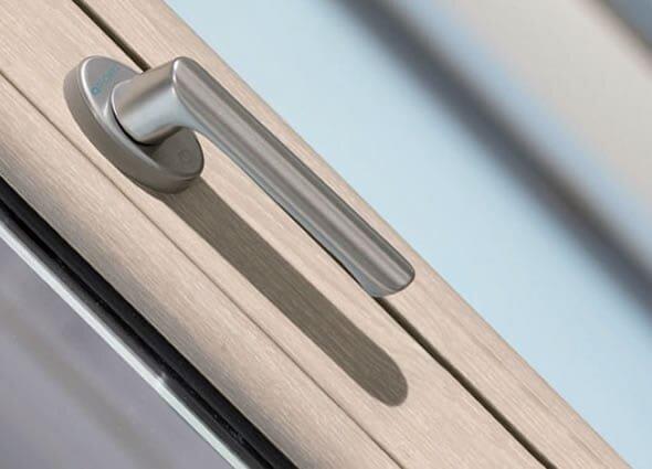 Beschläge und Zubehör der PVC-Fenster